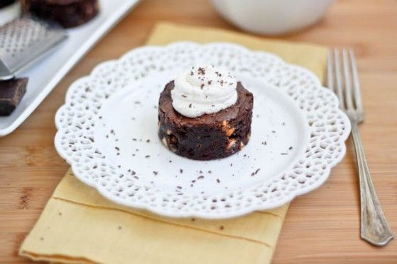 Bailey's Butterscotch Brownies w/ Homemade Whipped Cream --- I mean seriously, friend! This looks incredible!! www.bakeyourday.net