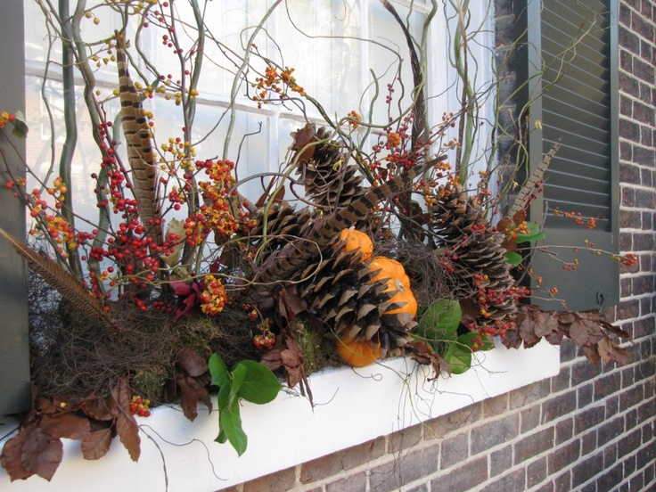 Seasonal windowbox for fall