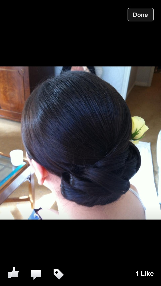 Low chignon, ideal for a wedding hair style, beautiful hair for brides and bridesmaids