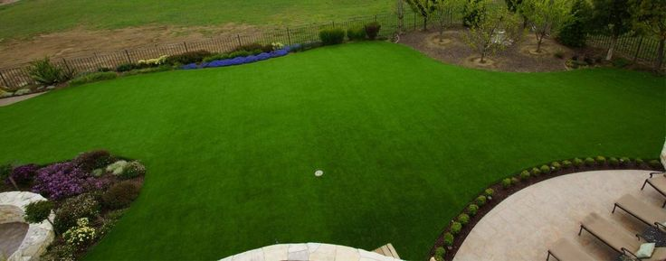Your garden can look fabulous all year round with artificial grass.
