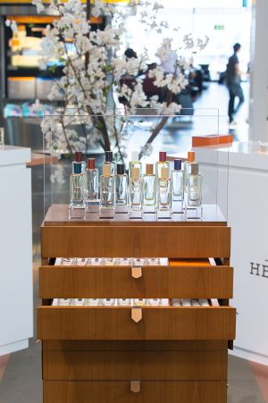 Hermès Parfums - pop-up shop at Schiphol Airport