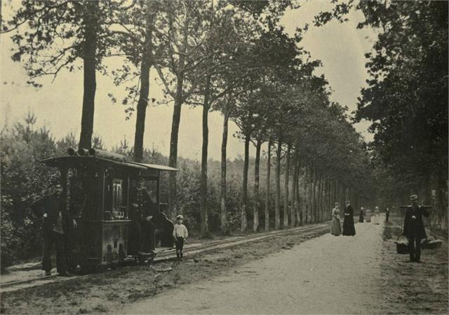 de Boschlaan in Princenhage in 1891 met de tramverbinding tussen het Mastbos en Breda. De Boschlaan werd later de Burgemeester Kerstenslaan