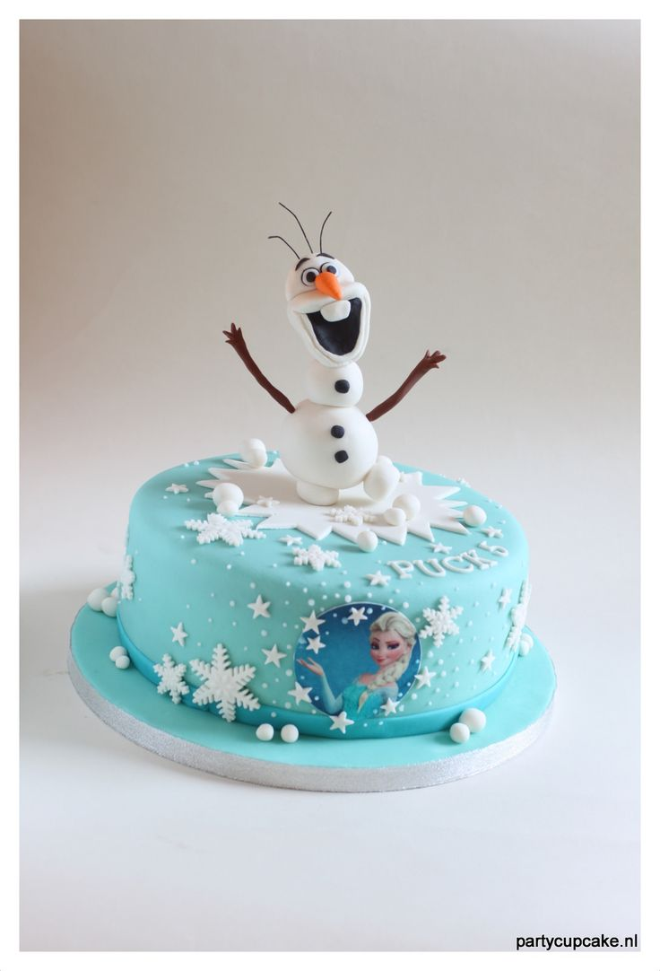 Frozen cake with Elsa and Olaf on top, edible.