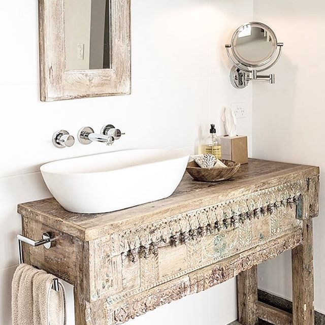 Beautiful use of an Indian console as bathroom furniture, in Queensland Homes by @melinda_boundy_designs – badezimmer ideen | Todaypin.com