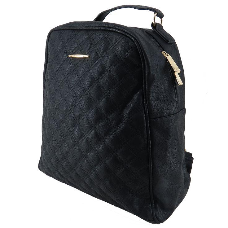 Mochila feminina de couro ecológico, mochila preta. Para carregar notebook, cadernos, roupas e tudo o mais que você precisa no seu dia a dia. http://lojadibella.com.br/d/103/Bolsa+Mochila  Mochila, mochila de couro, mochila feminina, loja dibella, bag, handbag, backpack, mochila diferente, mochila linda, mochila rock, comprar mochila, loja mochila, mochila academia, mochila chic, mochila dia a dia, matelassê, mochila faculdade