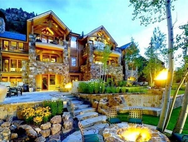 Mansion in california mansions pinterest beautiful for Homes in the mountains