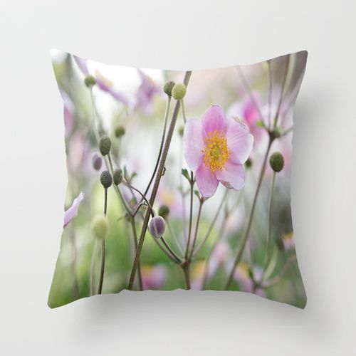 Beauty Annemone Throw Pillow