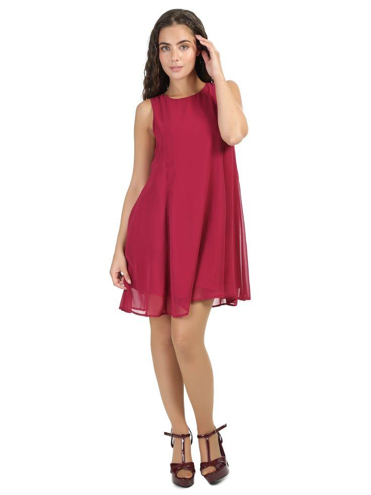 Fuchsiové šaty Bright&Beautiful Tessa Jemné fuchsiové šaty Tessa potěší nejednu dámu. Díky jemnému lemování drží šaty svůj tvar. Zip, který je umístěn na zádech zajistí, že Vám šaty dokonale padnou. Materiál (100% polyester) je velmi lehký a příjemný a díky podšívce (100% viskóza) se v něm budete cítit skvěle celý den. K těmto šatům můžete obléknout podpatky, či páskové boty, vždy bude vypadat výborně.