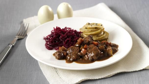 Cook a hearty and unctuous lamb dish and top it all off with Nick Nairn's tasty side dishes.