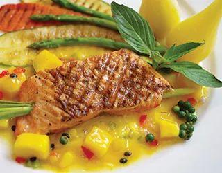 """#Mango soslu #Somon Mangoyu """"Yemeye Hazır"""" almayı unutmayın. #yemeyehazir #tarif #meyvelitarifler #fittarifler #fit #saglikliyasam #hafif"""