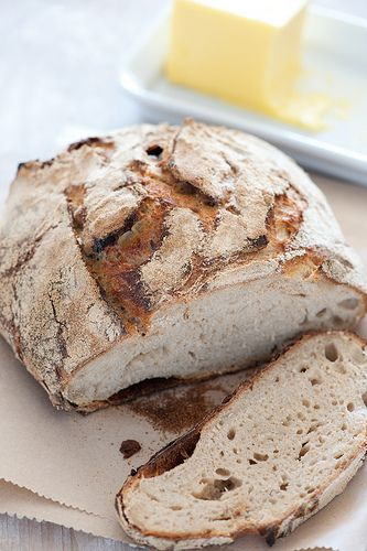 rustic sourdough: the secret to making amazing bread at home (I think I'll try this today)