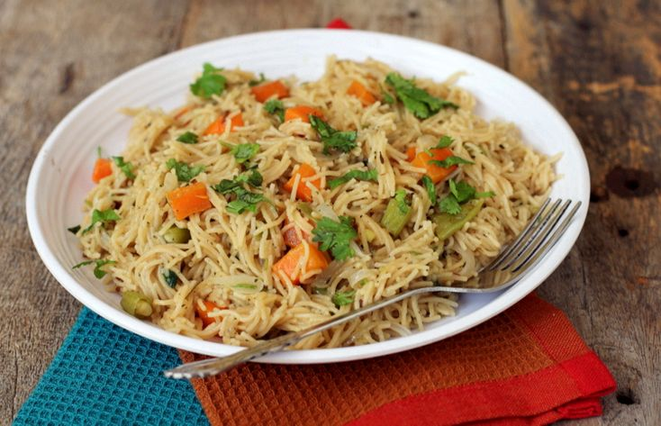 Vermicelli Vegetable Pulao. Makes for a filling breakfast or a good tiffin for kids lunch box.