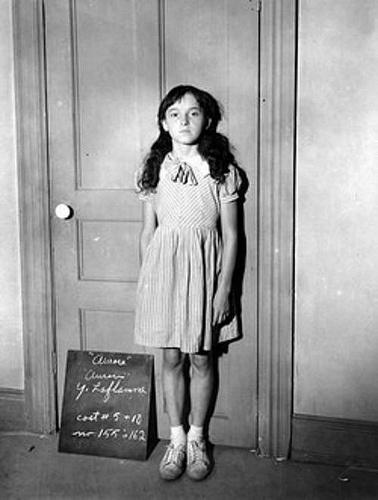 Aurore Gagnon (31 mai 1909 - 12 février 1920) fut victime de maltraitance de la part de sa belle-mère, Marie-Anne Houde, et de son père, Télesphore Gagnon. Son histoire est devenue « le drame le plus pathétique » du passé collectif des Québécois. Remis en mémoire par des pièces de théâtre, des romans et des films, elle a laissé une marque profonde dans l'imaginaire collectif des Québécois. Son village natal, Sainte-Philomène de Fortierville, fut popularisé par son destin tragique.