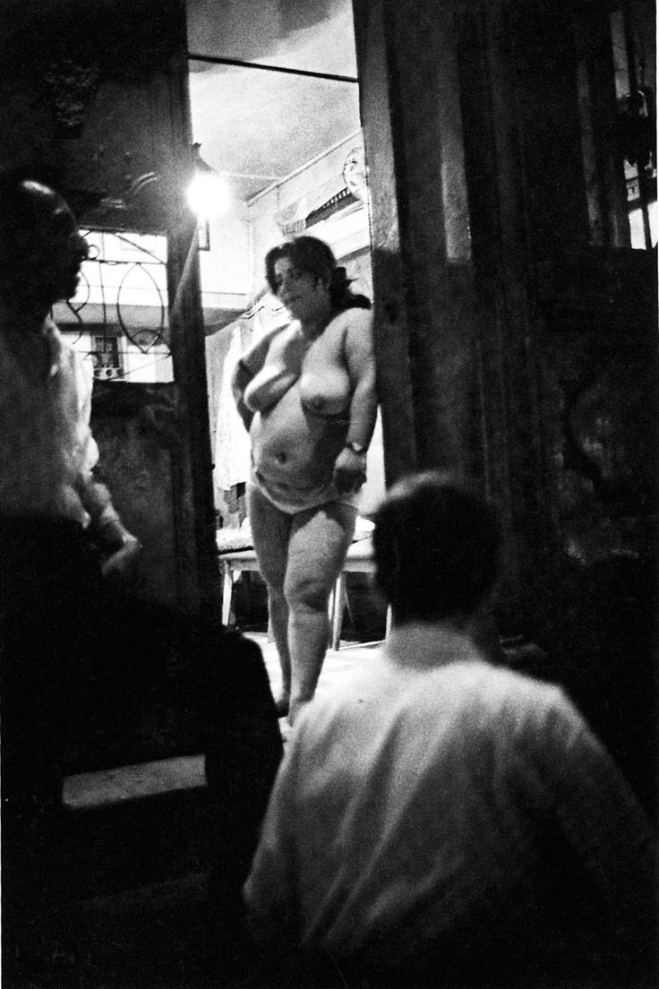 A prostitute at Abanoz Street in Beyoglu, Istanbul, 1957. [Credit : Ara Güler]
