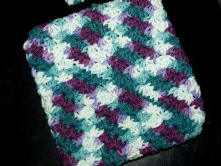 This Crafting Life: Star Stitch Doubled Potholder {Crochet Pattern}. FP 2/15