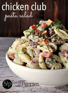 Chicken Club Pasta Salad !!! So amazing! Chicken, bacon, avocado, tomato, cheese and a creamy dressing