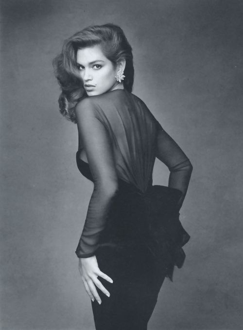 Cindy Crawford for Vogue France, 1987. Photo: Patrick Demarchelier