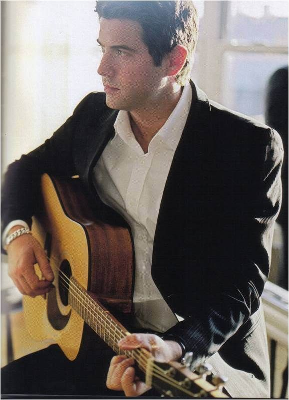 Sebastian a member of the international musical quartet Il Divo). Izambard is the only member of the group who is not classically trained. Besides their musical experience and prowess, Il Divo are also recognized for their impeccable taste in fashion, dressing in Armani suits, first album, called Il Divo became a worldwide multiplatinum record.