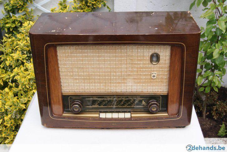 Erres antieke radio, beschikt over FM