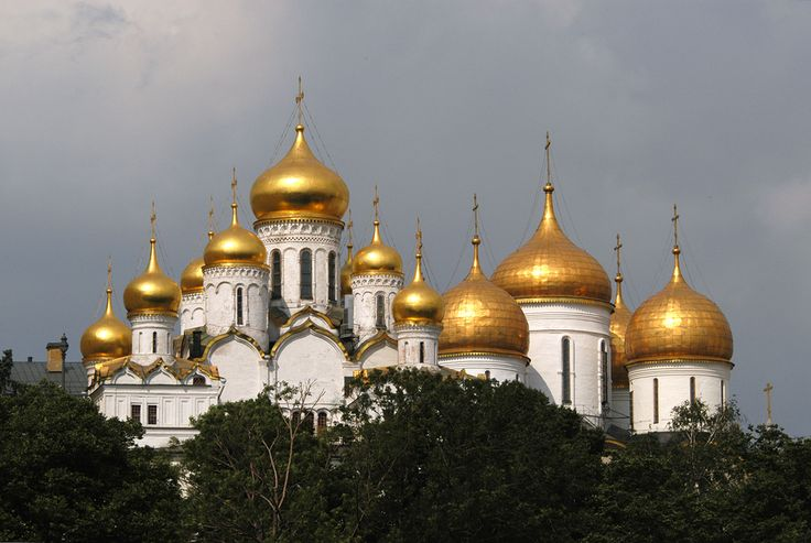 The official residence of Russia's President, the Moscow Kremlin is possibly the most famous citadel in the world.