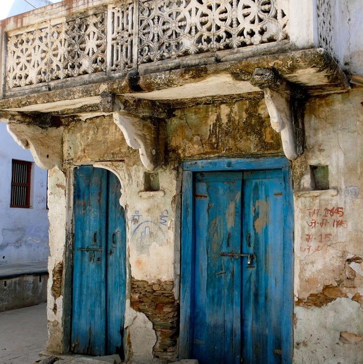 beautiful patina in India, via Slim Paley: Doors Keys Window, Doorway Leaded, Beautiful Patinas India, Blue Doors, Doors Knobs Latch G, Beautiful Doors, Colors Doors, Blue Male, Doors Port