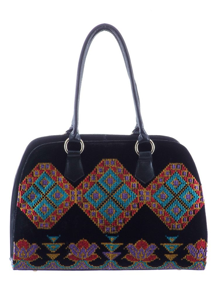 Purse leather and fabric with embroidery Composition : Leather and fabric Dimensions : Height : 29 cm, length : 40 cm, width : 18 cm.  Phone orders : 0727 781 988