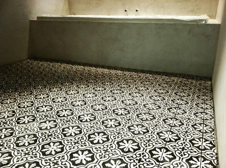 In stock Bordeaux Pattern. http://www.cementtileshop.com/in-stock-encaustic-cement-tile/Bordeaux.html