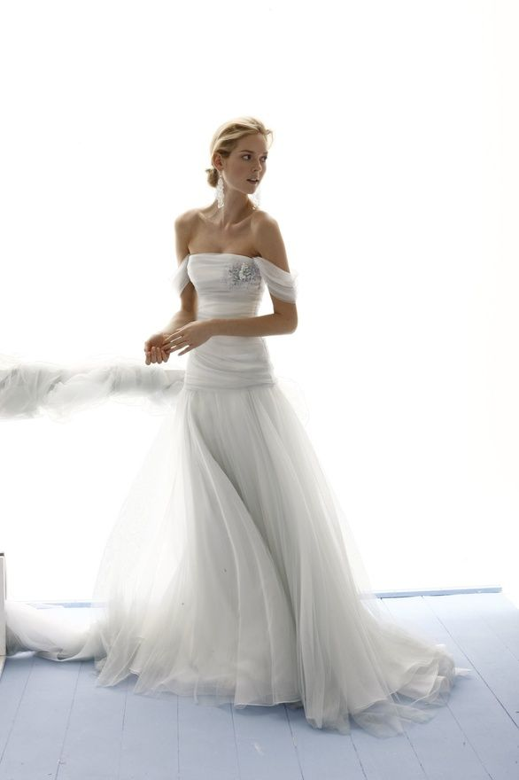 "not a ""strapless look"" person, but i love the skirt and the layers of chiffon on this"