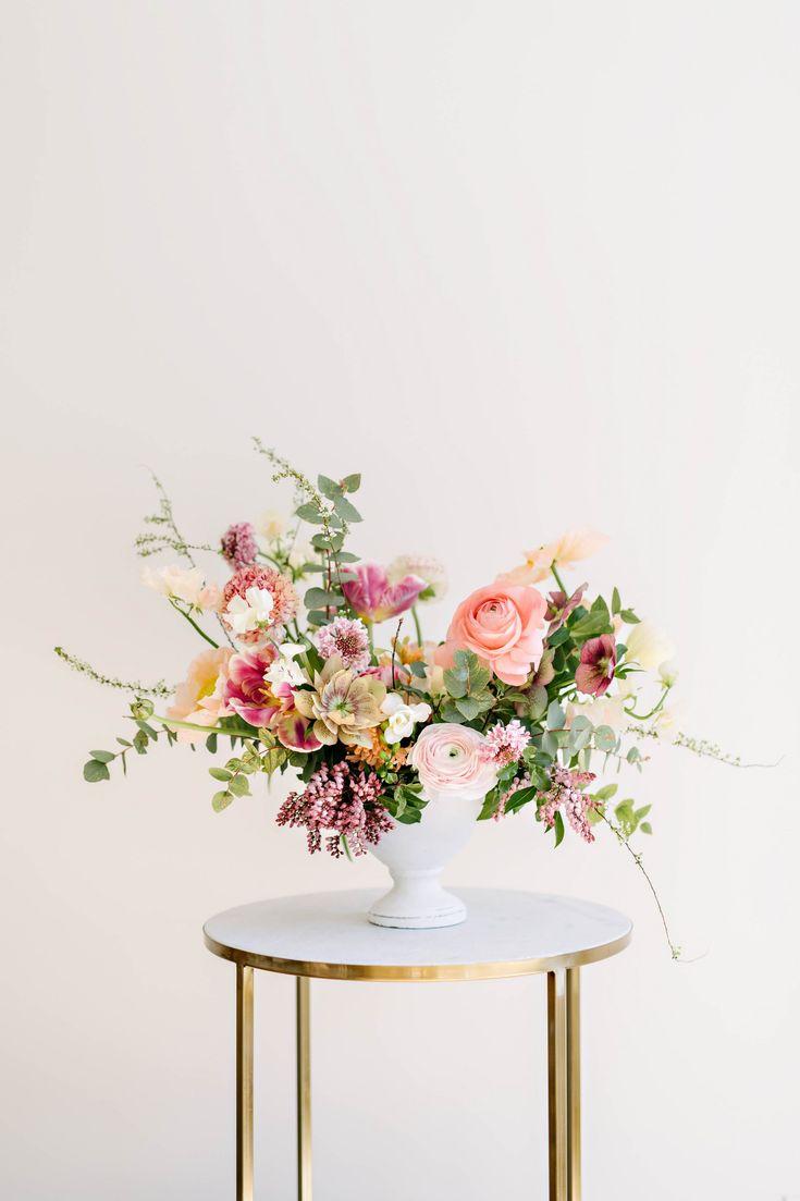 Beautiful spring centerpiece: How to Create the Prettiest Spring Centerpiece