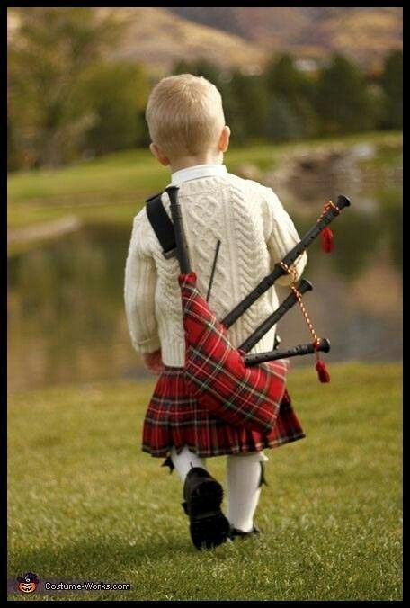 Absolutely adorable!:   Ежегодно 6 апреля шотландцы, где бы они не находились, отмечают День тартана - в память знаменательной даты 6 апреля 1320, когда была подписана Арбротская декларация, сделавшая Шотландию независимым, суверенным государством...