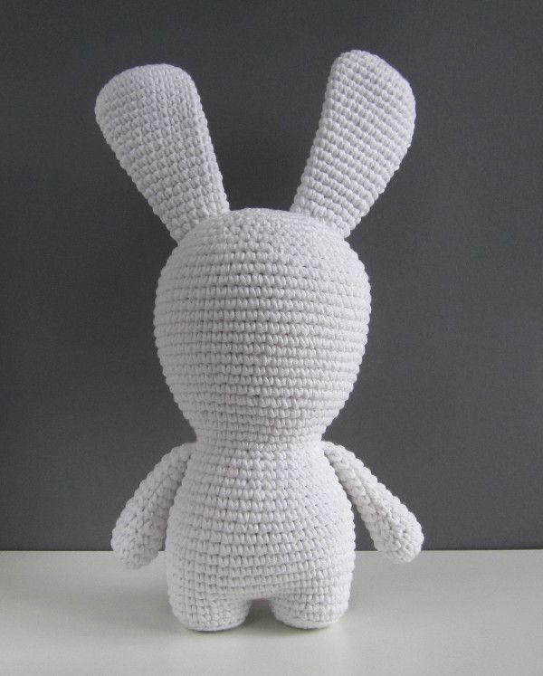 Pattern for standing amigurumi (legs, body, & head as one piece) -