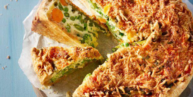 Recept voor quiche met broccoli, sperziebonen, doperwten, snijbonen en wortel.
