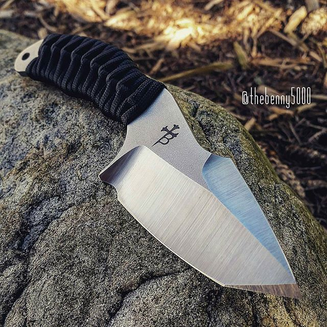 SB3T _________________________________________ #usnstagram #usnfollow #grailknives #knifelife #knifecommunity #bestknivesofig #everydaycarry #knifefanatics #knifestagram #pocketdump #handdump #borkablades #knives #weaponsdaily #itsalifestyle #everydaydump #pewlife #everydaytactical #knivesdaily #tattoos #killer #perfect #custom #photography #madeinamerica #handmade