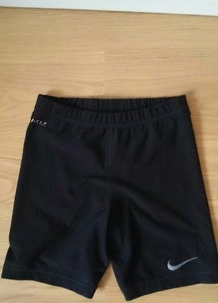 Kup mój przedmiot na #Vinted http://www.vinted.pl/kobiety/odziez-sportowa/9740978-czarne-spodenki-sportowe-nike-do-biegania-i-fitness-dri-fit