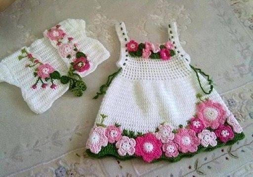 Вязаные крючком платья для девочек. Вязаное ажурное платье для девочки крючком
