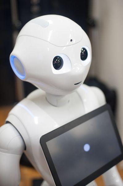 【バンタンデザイン研究所高等部】産学協同プロジェクトレポート★はじめまして、Pepper!最新ロボットPepperを動かすオリエンテーションに密着!