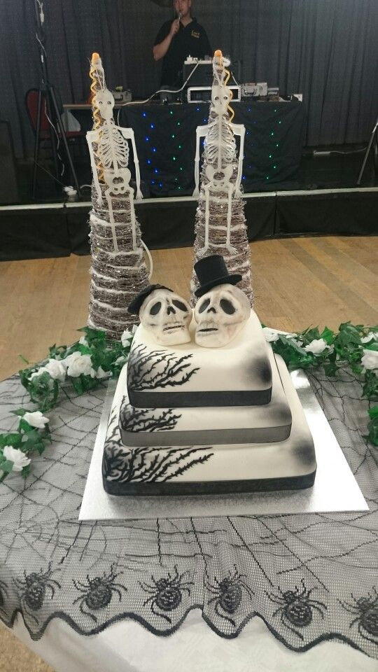 Alternative wedding cake - skulls
