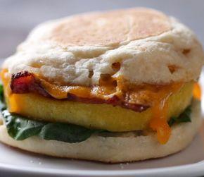 Essayez ces sandwichs déjeuners qui se font en un rien de temps au micro-ondes - Recettes - Ma Fourchette