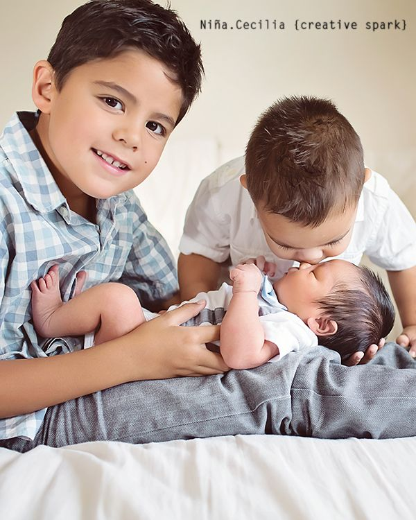 Newborn photography poses sibling brothers baby