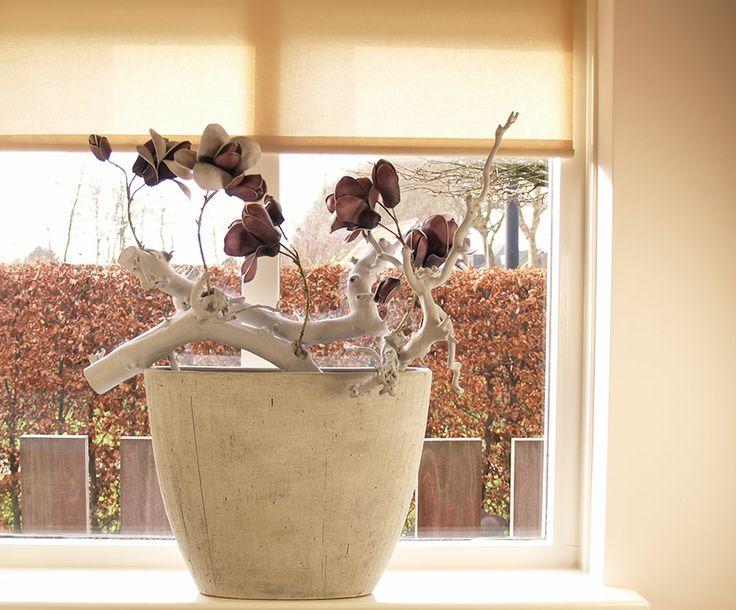 Decoratieve vensterbank bak bloemschikken pinterest for Decoratie vensterbank