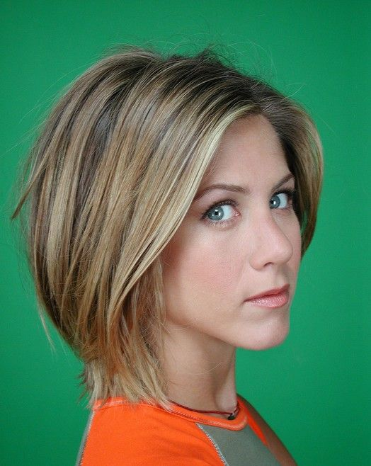 Chic Short Haircut: Straight Bob Hairstyle for Women - Jennifer Aniston's Hairstyles