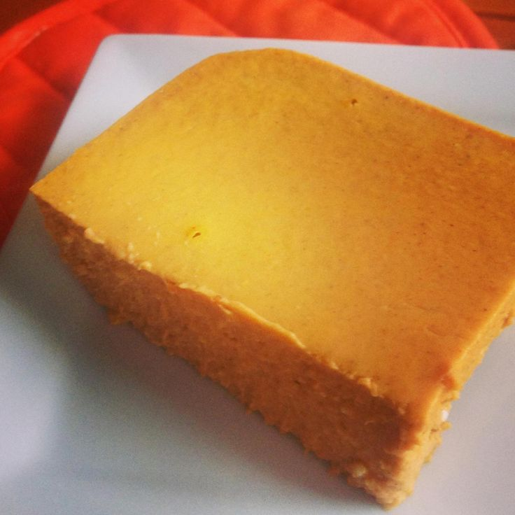 This tastes like the inside of a pumpkin pie-easy to make and doesn't taste like there is cream cheese in it at all. Crustless too. Great low carb dessert, but everyone loves it. I serve it with whipped whipping cream sweetened with a touch of cinnamon and some Splenda.