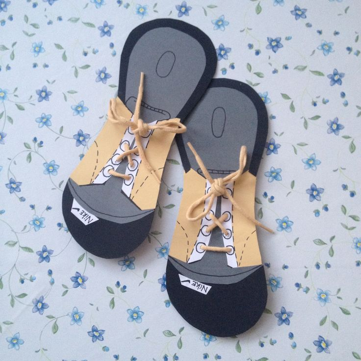 Első cipő,amit készítettem fotókartonból! :)