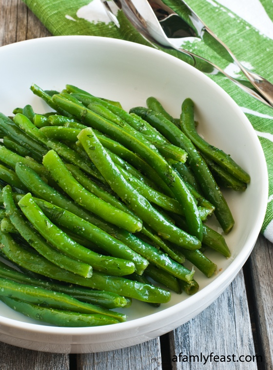 Green Beans with Tarragon - this is the absolute best way to prepare green beans! The tarragon and garlic powder are the perfect seasoning for green beans!