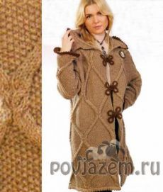 Knitted coats in shades of brown