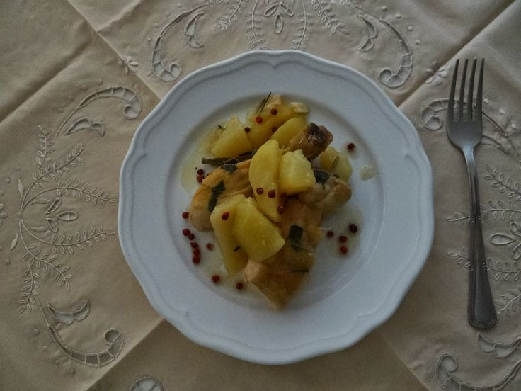 matrimonio in cucina: Pollo e patate in padella con vino bianco e senape... Pollo e patate in padella con vino bianco e senape - www.matrimonioincucina.com  #matrimonioincucina #blog #followme  #followback #followplease
