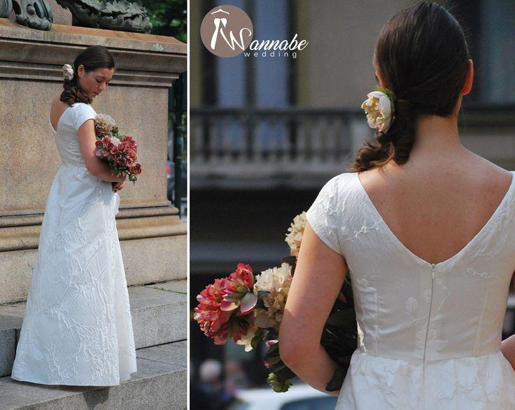 https://www.etsy.com/it/listing/472190154/abito-da-sposa-silvia-elegante-e?ref=listing-shop-header-0