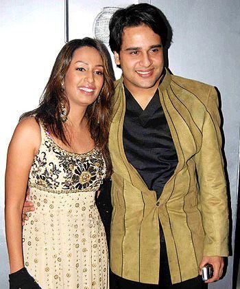 Krishna Abhishek with his wife