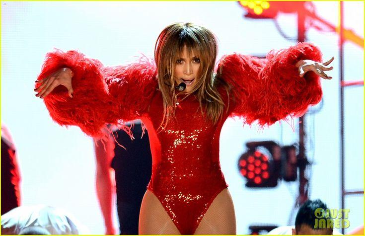 Jennifer Lopez - Billboard Music Awards 2013 Performance (Video)   jennifer lopez billboard music awards 2013 performance video 07 - Photo