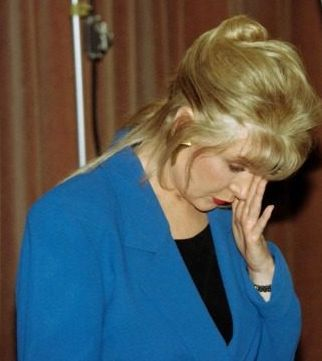 EXCLUSIVE AUDIO – Gennifer Flowers: Bill Clinton Paid $200 For Me to Abort His Baby NEW YORK — In a rare exclusive interview, Gennifer Flowers, who says she had a 12-year affair with Bill Clinton, opened up about what she described as the experience of having an abortion after she … Continue reading